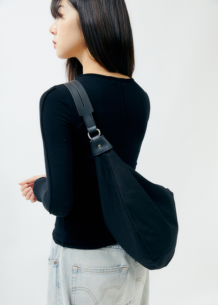 Half Moon Cross Bag (black)