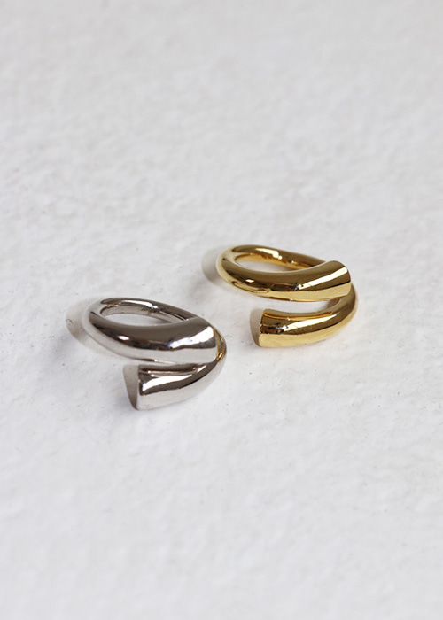 Kink detail ring (2 colors)