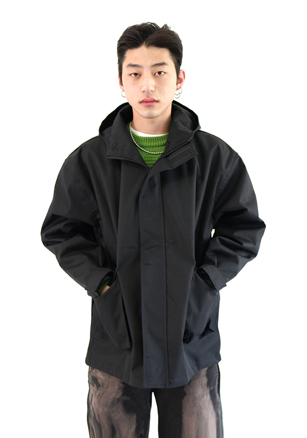 Boxy Windbreaker Jacket (2 colors)