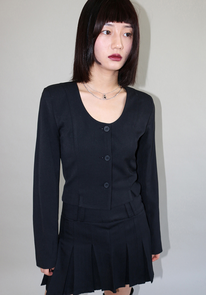 Round Neck Jacket (2 colors)