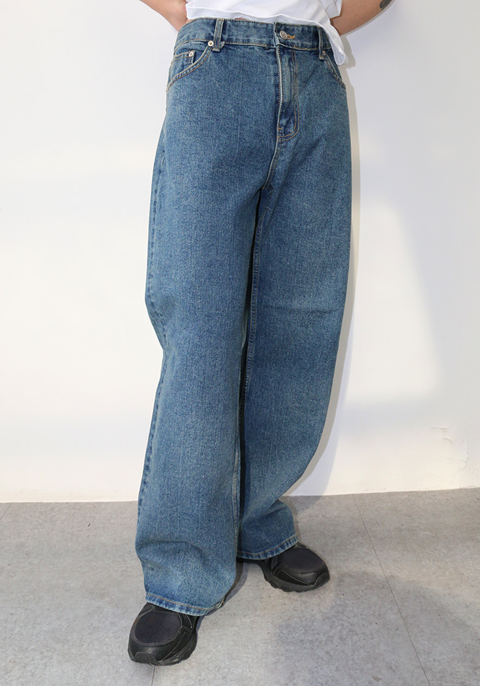Classic Over Big Denim